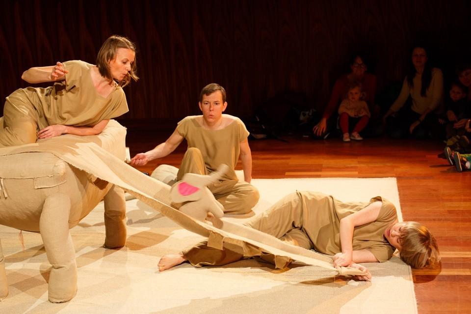 Teatr Atofri: Słoń Trąbibombi - spektakl dla dzieci