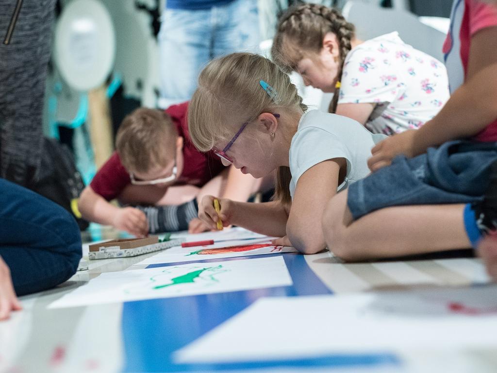 Którędy do sztuki. Żywe rzeźby. Warsztaty dla dzieci ze spektrum autyzmu. Katowice