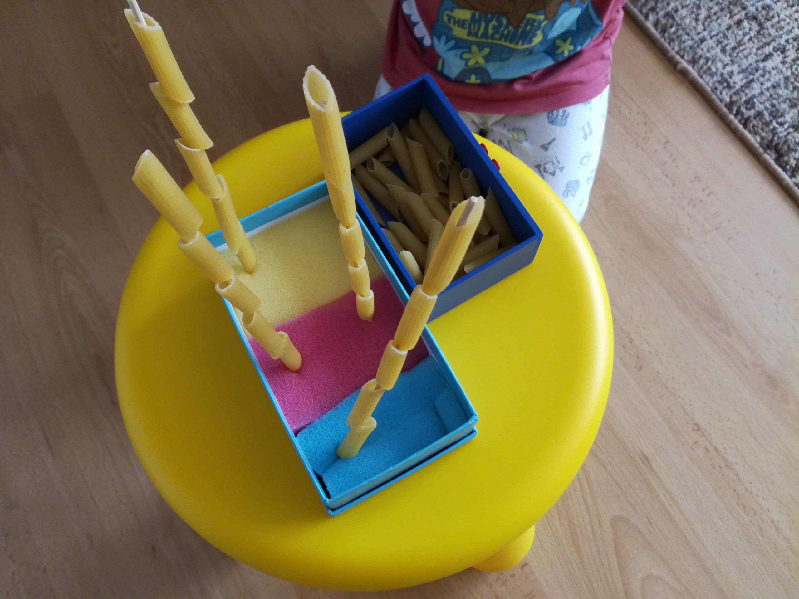 Sorter dla dzieci w domu. Łatwe zabawy dla dwulatka