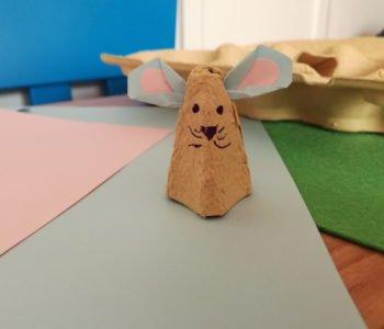 Myszka z pojemnika po jajkach