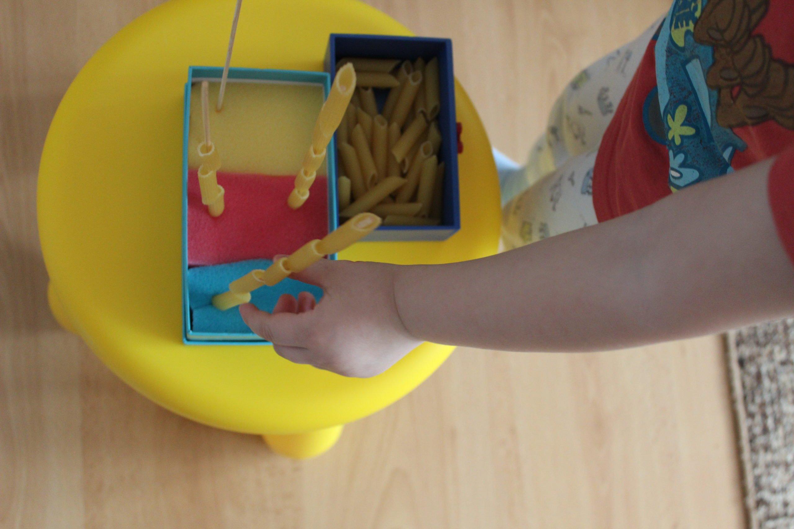zabawy dla dzieci w domu łatwe sorter