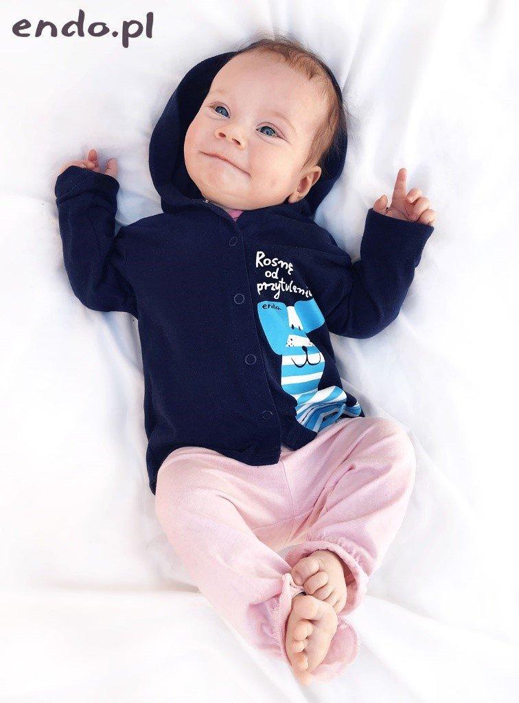 niemowlę w ubranku endo