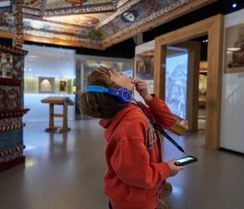 Audioprzewodnik dla całej rodziny w Muzeum POLIN