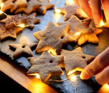 Warsztaty świątecznych pierniczków: wypiekanie