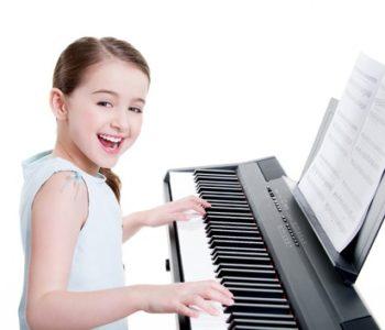 Indywidualne lekcje śpiewu/gry na pianinie w Kompozytorni!