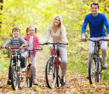 Jak dbać o aktywność ruchową dziecka jesienią?