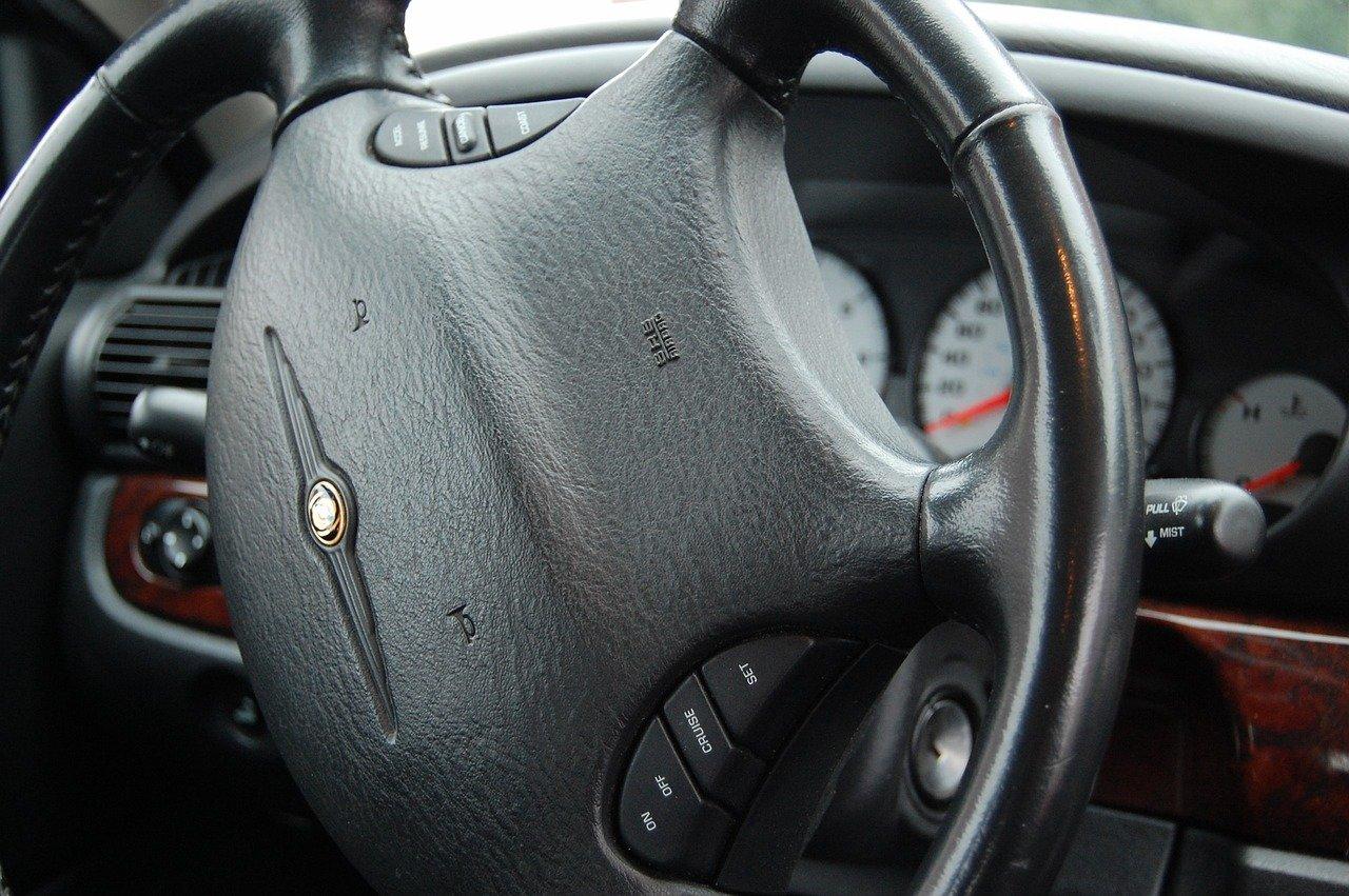 Loga samochodów – quiz
