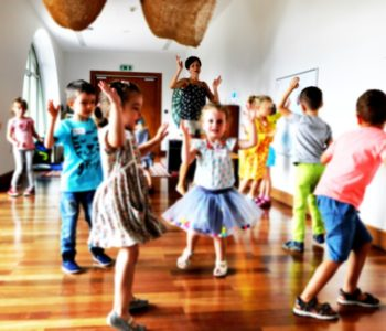 Strefa zabawy: W krainie tańczących rąk