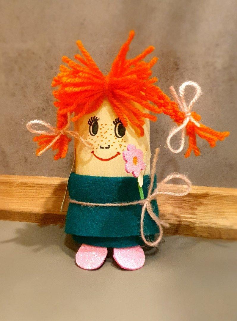Pippi pończoszanka z rolek po papierze toaletowym. DIY dla dzieci