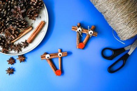 Renifery z cynamonu Diy dla dzieci na Boże Narodzenie
