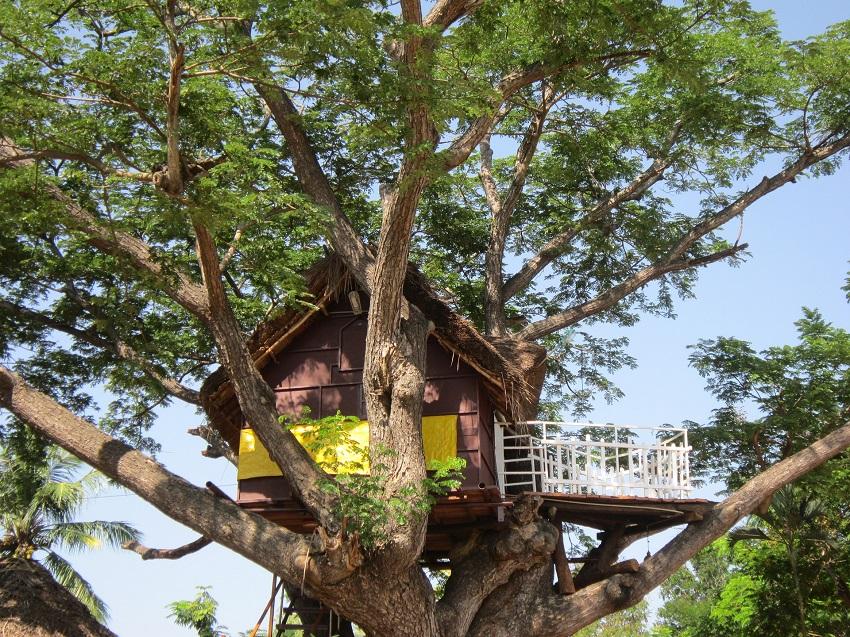 Drewniany domek dla dzieci – czy warto znaleźć dla niego miejsce w ogrodzie?