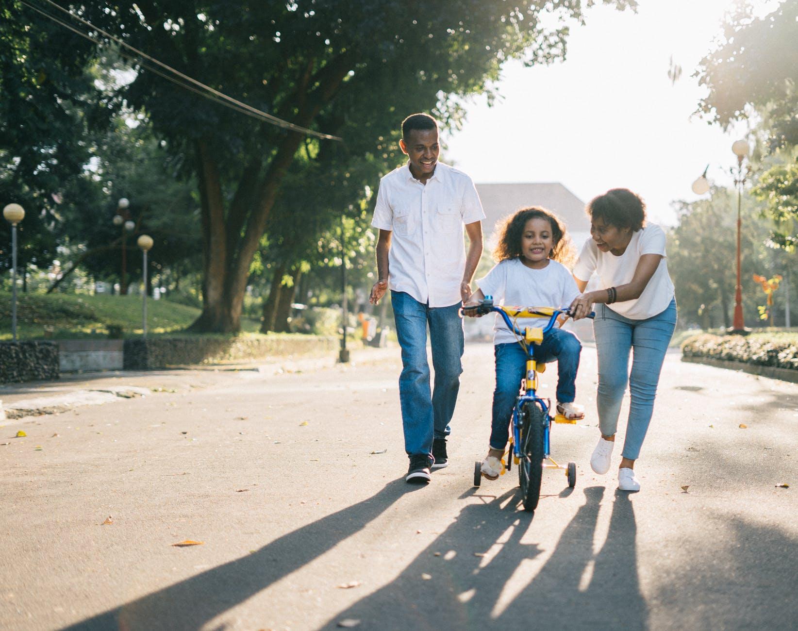 Wybieramy pierwszy rower dla dziecka – na co zwrócić uwagę i gdzie go kupić