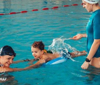 Kurs pływania dla małych dzieci