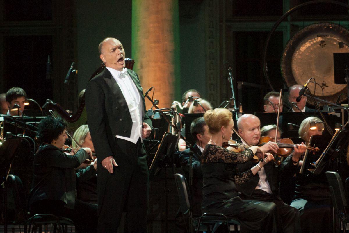 Arie Oper Świata