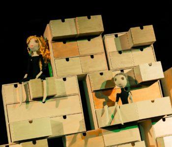 Teatr Gdynia Główna – Bajka o bajce – bezpłatny, plenerowy pokaz na Karwinach