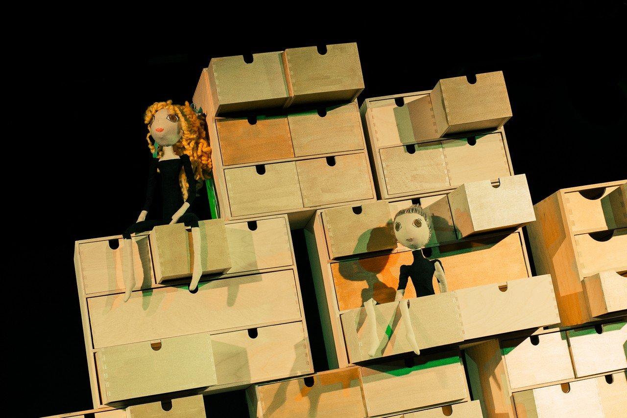 Teatr Gdynia Główna - Bajka o bajce - bezpłatny, plenerowy pokaz na Karwinach