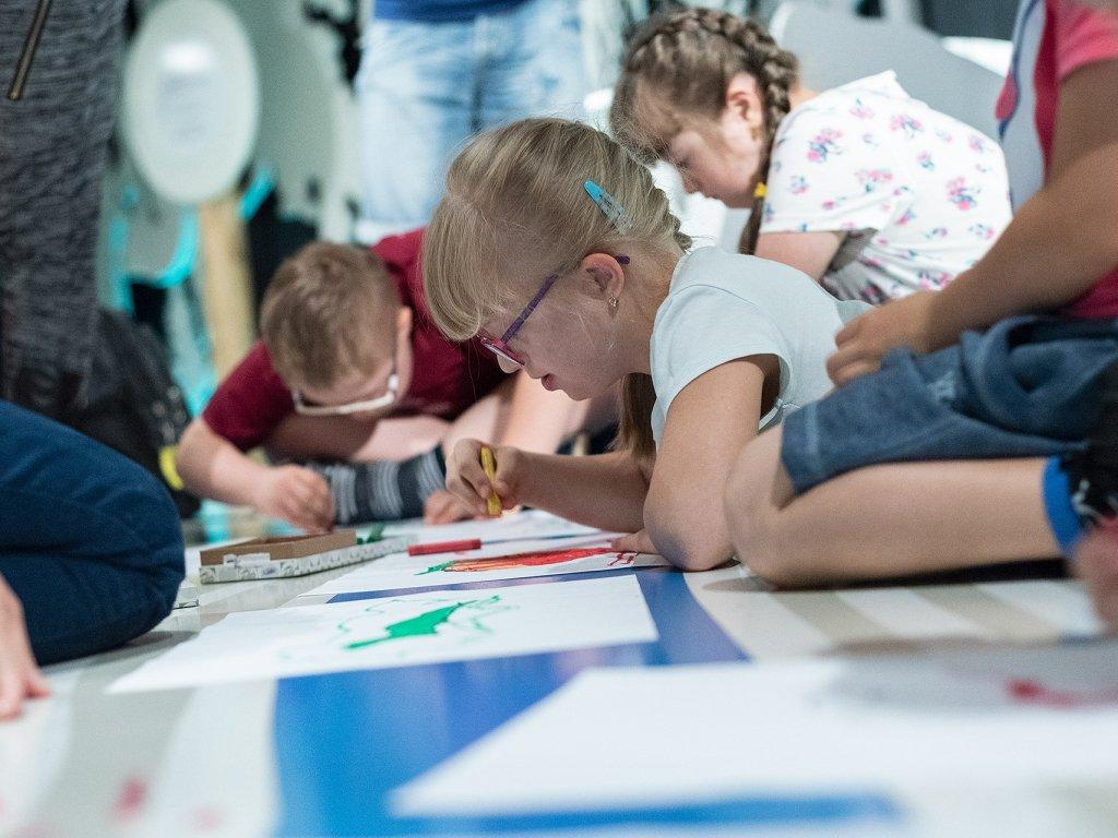 Wakacyjne pieczątki - warsztaty dla rodzin z dziećmi w wieku 6-12 lat. Katowice