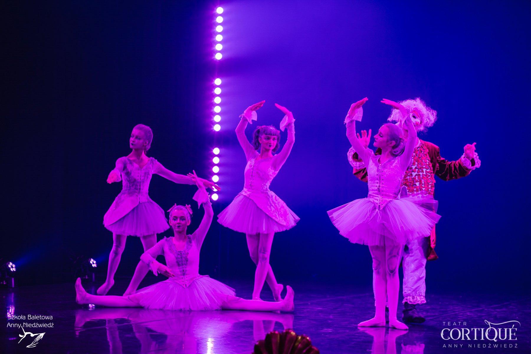 Serial baletowo - teatralny