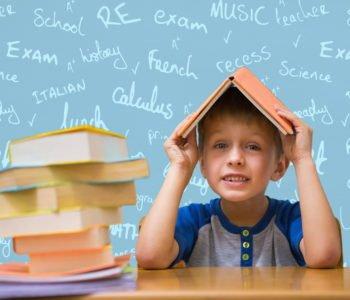Śmieszne zagadki o szkole z odpowiedziami, zgadywanki dla dzieci