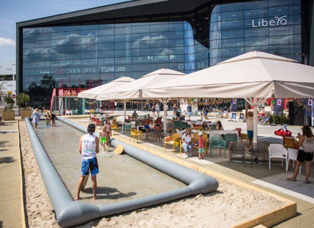 Lato na Placu do Radości przyLibero