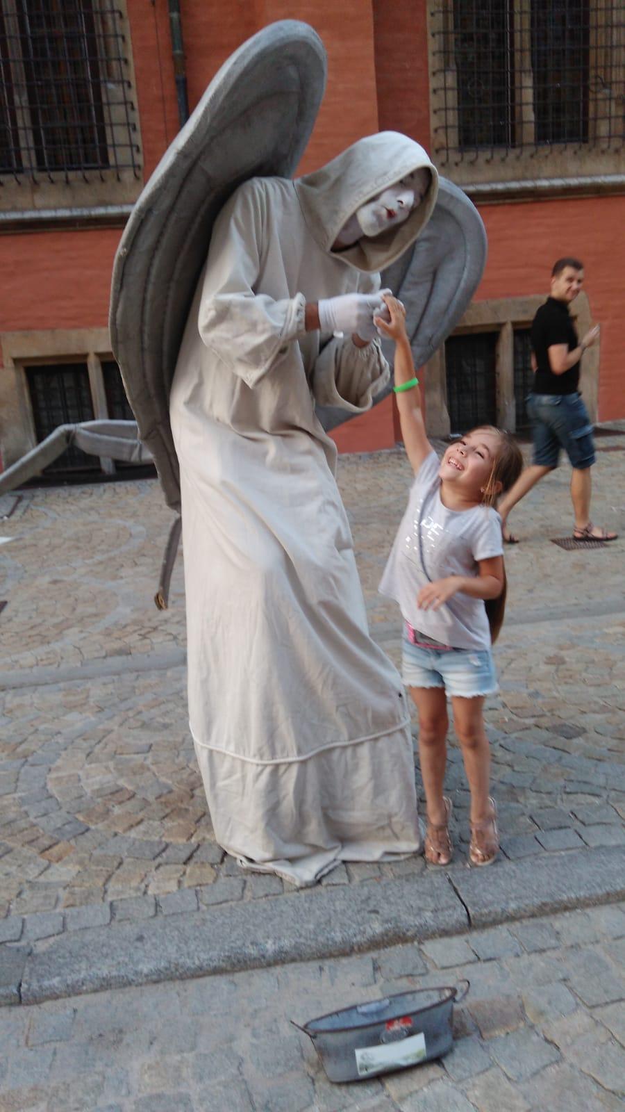 Zuzia z aniołem :)