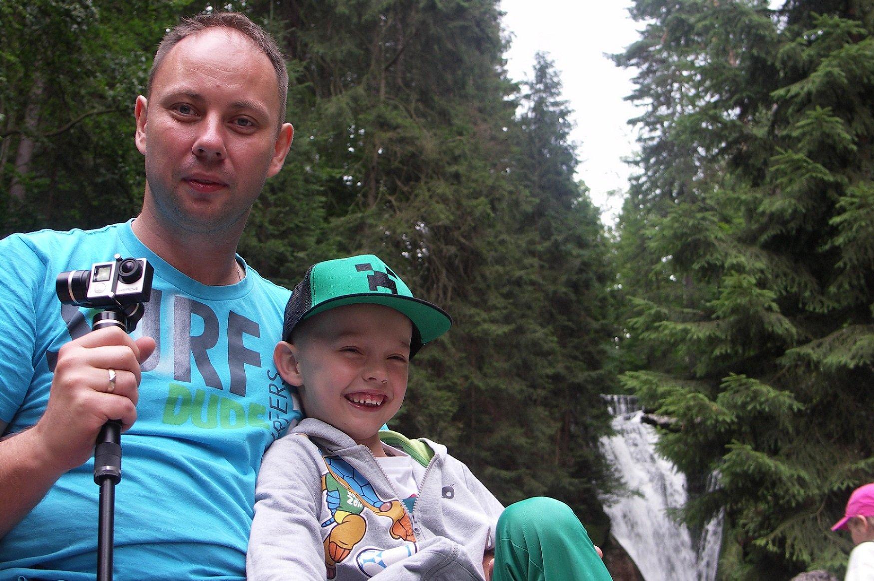 Tata i ja na górskim szlaku